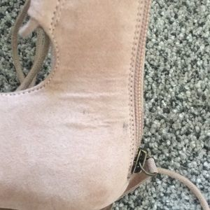 Nine West Shoes - Nine West nude tie/lace up flats w/ pointed toe